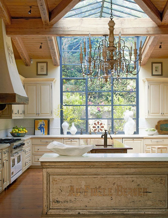 Fabulous Kitchen with Country Charm-Sela Ward's Bel Air Home via Traditional Home Magazine