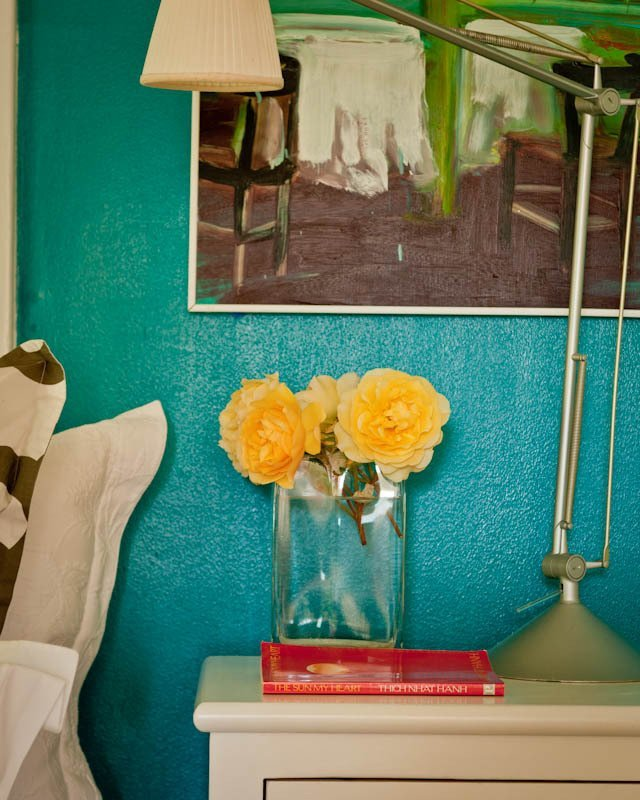Great use of color-image via Apartment Therapy