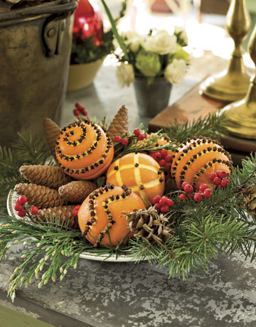 Pinecone Pomander Holiday Display GTL1206 de Christmas Decor Simplifying the Season