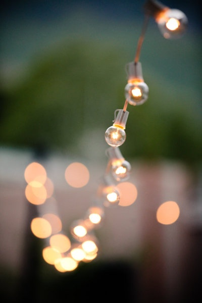 Lighting is key to Entertaining Sonoma Style ™-image via Style me Pretty-photo by Elisabeth Kate Photography